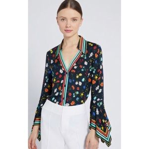 ✨HP✨Alice + Olivia Trumpet Sleeve Button Down